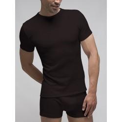 Camiseta termal manga corta cuello redondo.