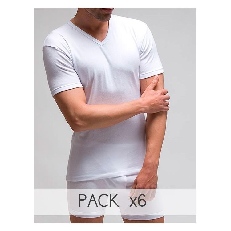 Camiseta termal manga corta y cuello en pico.