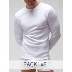 Camiseta termal manga larga cuello redondo.
