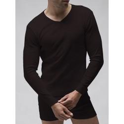Camiseta termal manga larga cuello en pico.