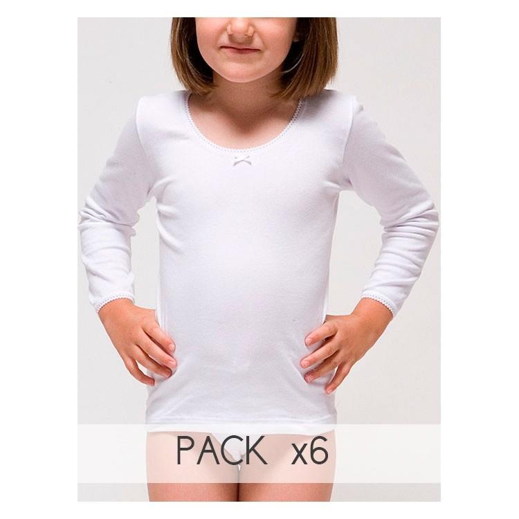 Girl´s long sleeve t-shirt.