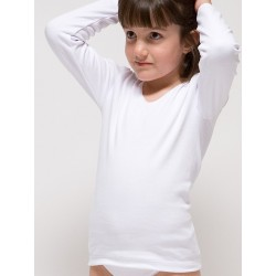 Girl´s long sleeve t-shirt.