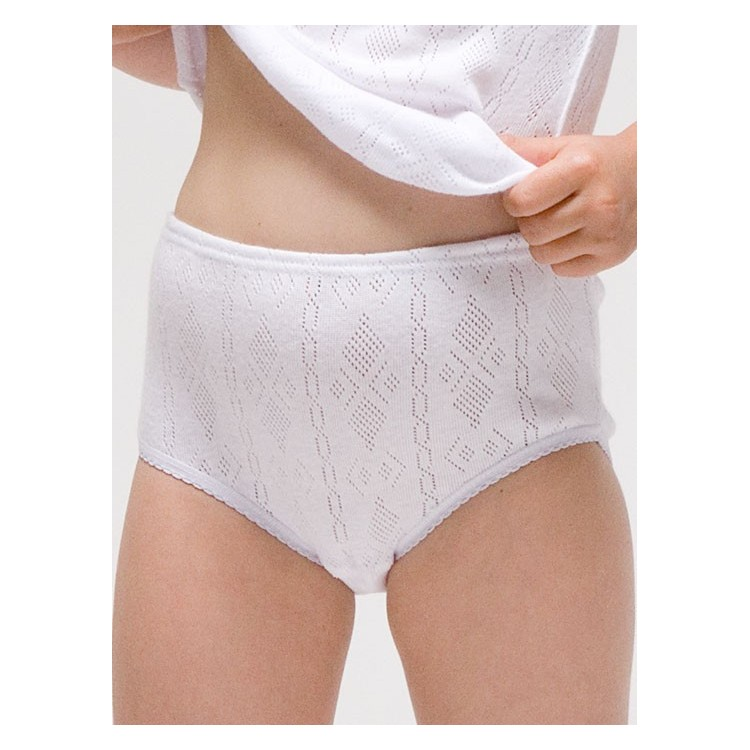 Girl´s knitted panties.