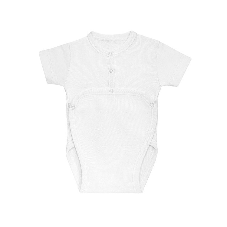 Newborn´s short sleeve open one-piece.