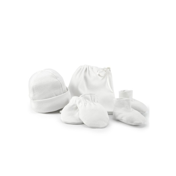 Newborn cap, gloves and booties.